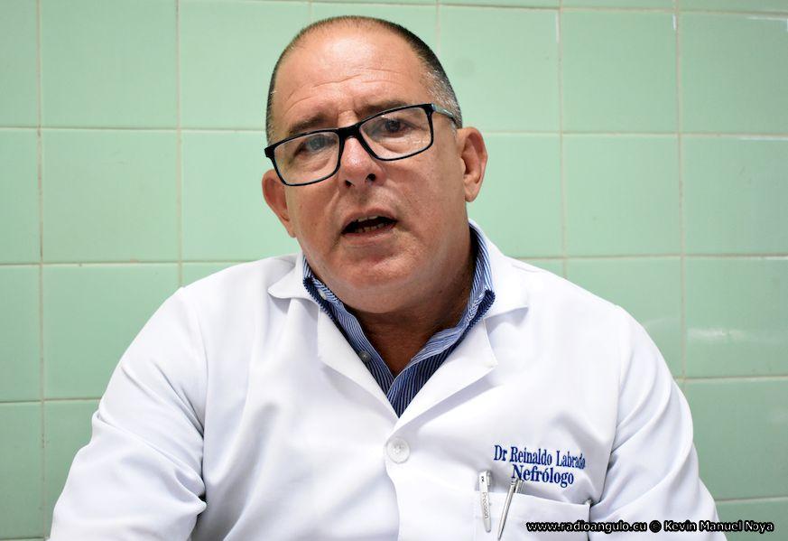 Reinaldo Labrada Pupo, Jefe de este servicio en la institución de salud